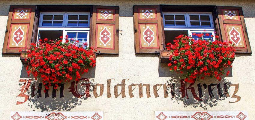 """Gaststätte, Gasthof, Restaurant, Biergarten, Zimmervermietung, Ferienwohnung, Landgasthof """"Zum Goldenen Kreuz"""" Pfrungen"""